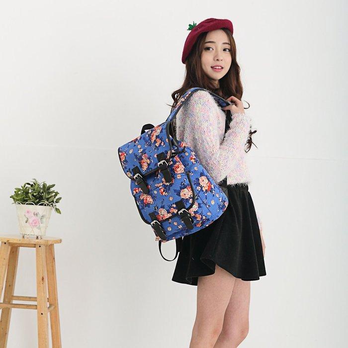 日式風格休閒花系列翻蓋帆布後背包 5色 $390 S9721