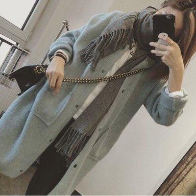 【Casi Cielo】韓國訂單 自留推薦 超美 柔軟 質感 簡約 氣質 排扣 毛衣 外套 大衣  (藍綠色 現貨)