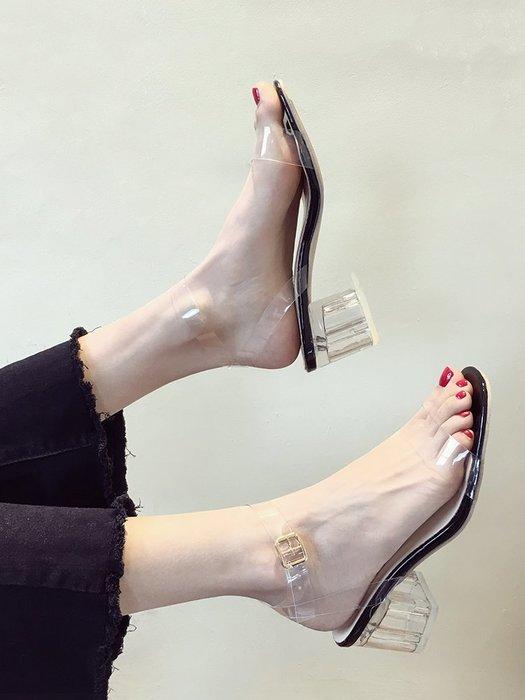 小尤家~網紅涼鞋女夏季新款超火一字扣帶露趾粗跟高跟鞋透明仙女鞋潮