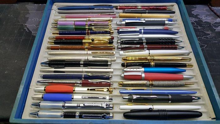 【威利購】小批切貨樣品筆系列(7)共40支 保證都沒水 原子筆.鋼珠筆.自動鉛筆