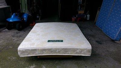 【安鑫】~金黃5尺標準雙人【5X6.2尺】獨立筒床墊 彈簧床墊~回收二手傢俱!【A470】