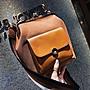 XINXIN女包小包包女新款韓版 時尚新款 日韓系列 迷人包 女生包秋季女包復古夾子包時尚撞色寬肩帶斜挎包潮