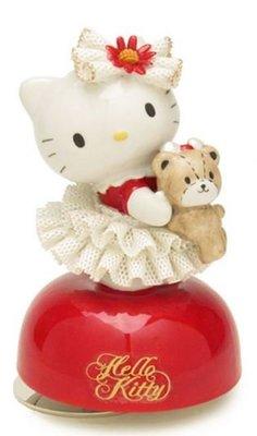 鼎飛臻坊 Hello Kitty 凱蒂貓 抱熊娃娃 造型 陶瓷 音樂盒 限量 日本正版