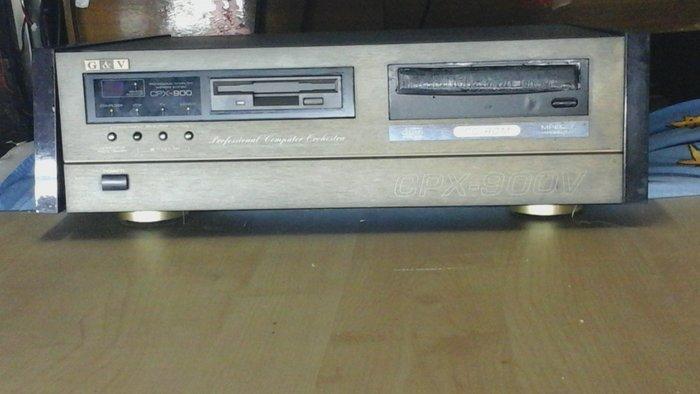 金嗓新900V點歌機硬碟.主機板.電源供應器.都已換過全新的.已經過24小時橎放功能全部正常.才上架.有主機歌本揺控器