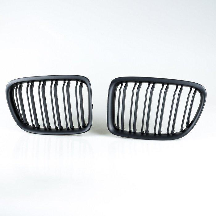 [消光黑] M樣式 水箱罩雙柵欄鼻頭 寶馬BMW X1 E84用 2008-2014年適用/汽車外飾交換件