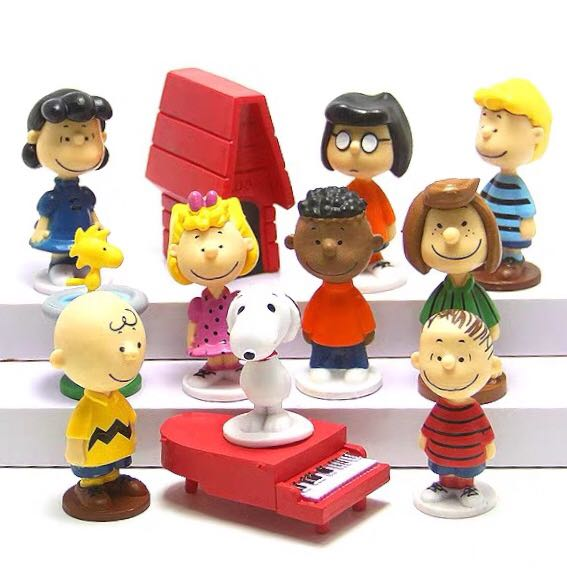 《瘋狂大賣客》SNOOPY 史努比 查理布朗 糊塗塌客 莎莉布朗 富蘭克林 奈勒斯 佩蒂 瑪茜 露西 蛋糕 創意 卡通 動漫 玩具 禮物 模型 公仔 擺件 送禮