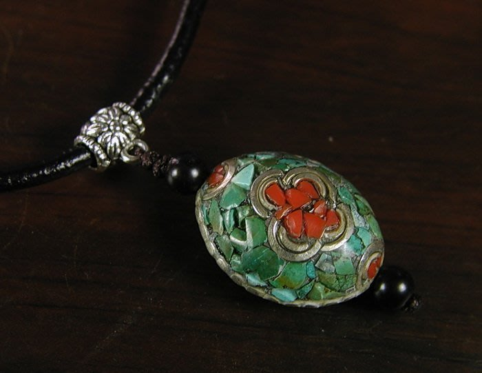 藏珠物流中心 * * *鑲寶銅珠*皮繩項鍊**F080