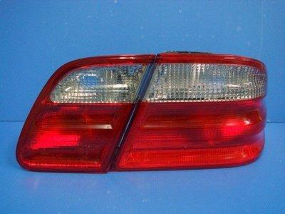 小亞車燈╠ 全新外銷版 BENZ W210 紅白 紅黑 尾燈 一組2600元特價DEPO製