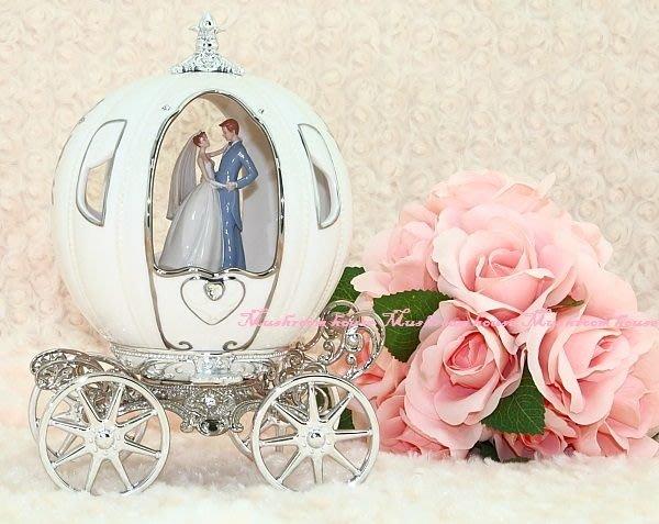 點點蘑菇屋{音樂盒}JARLL浪漫南瓜馬車/情人節 新人 結婚禮物 白瓷 施華洛士奇水鑽 免運