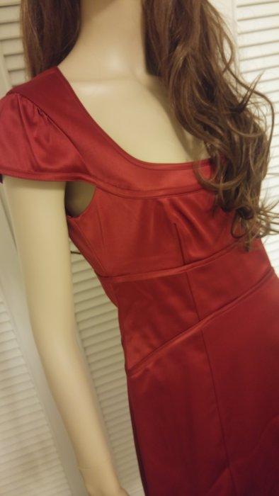 laundry by shelli segal低胸洋裝Beyonce.珍妮佛安斯頓鍾愛品牌