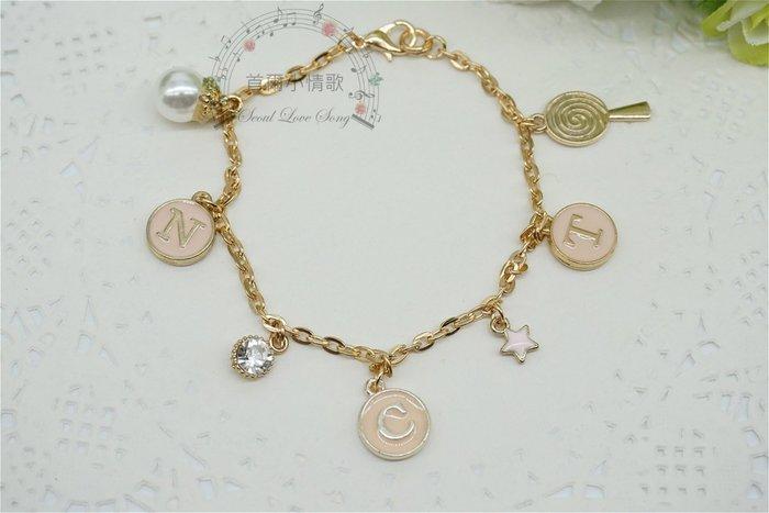 【首爾小情歌】NCT 周邊 珍珠吊飾玫瑰金色手鍊。粉紅色字母圓形 櫻桃 吊飾手環 手鍊 古典 飾品