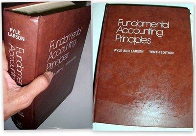 【絕版_會計學】8成新 精裝本《Fundamental Accounting Principles》Tenth Edit