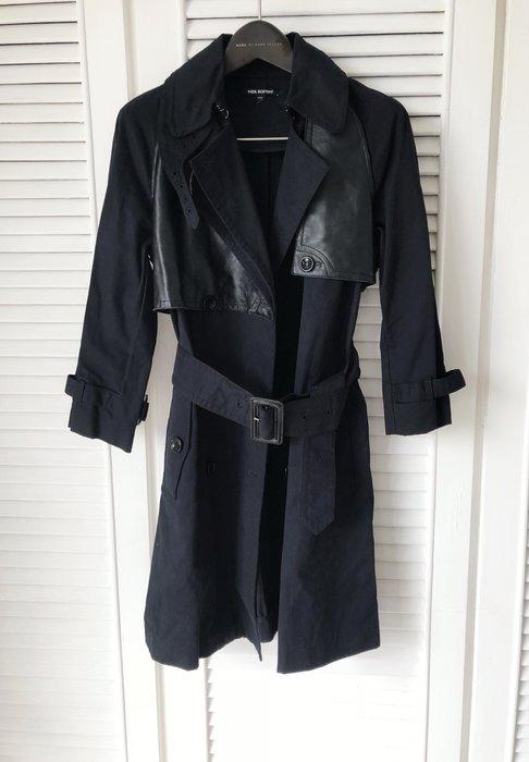 原價8萬多 Neil Barrett 深藍色繫帶小羊皮拼接厚棉風衣