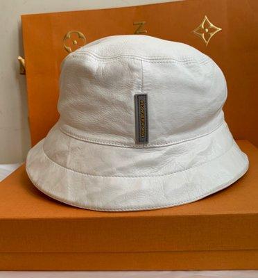 LV (米白色皮革)漁夫帽*🙋近新;頭圍55cm以內較適戴!(分享價優惠價!)