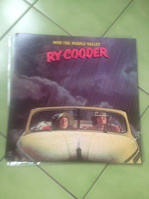 (下標即結標)(LP/黑膠唱片)(絕版)Ry Cooder-Into The Purple Valley(美國版)