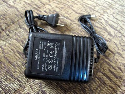 ☆ 唐尼樂器︵☆ Yamaha DC 12V/ 1A 電子琴變壓器(PSR-E403 等 PSR/ EZ 系列可用)
