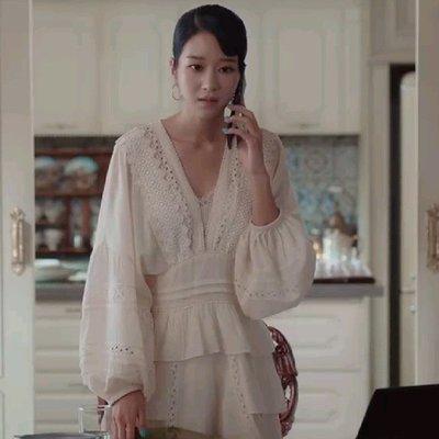 雖然是精神病但沒關係高文英徐睿知同款蕾丝V領拼接收腰連身裙