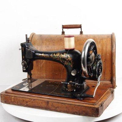 百寶軒 1891年西洋古董縫紉機勝家Singer手搖縫紉機帶箱蓋配件全8品 ZG2153