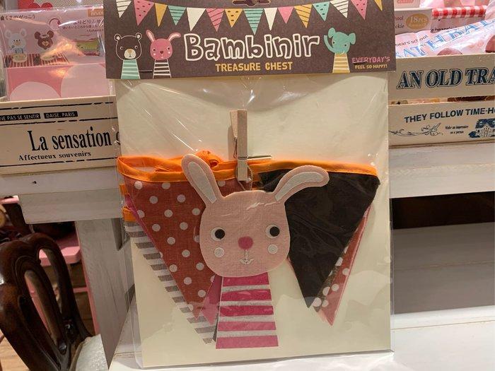 *黑頭小羊雜貨小舖*日本帶回zakka~居家雜貨/居家佈置/派對佈置/兒童房裝飾/粉色兔兔布材質三角旗掛飾/布面三角旗居家裝飾~