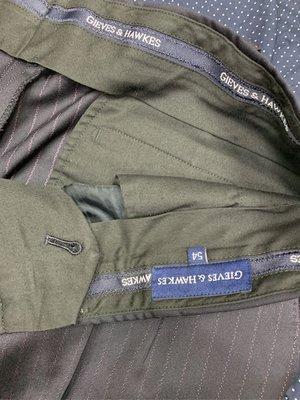 Gives&hawkes 西裝褲 穿一次有蟲蛀小洞