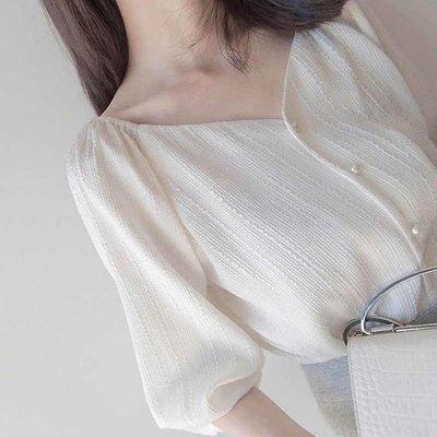 很仙的小眾泡泡袖白色雪紡襯衫女士韓版心機設計感V領鎖骨上衣夏-微利雜貨鋪-可開發票