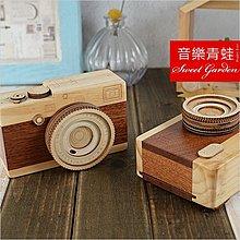 Sweet Garden, 木製相機造型音樂盒(可選曲) 鏡頭會旋轉 雙色原木設計 仿真可愛 交換禮物