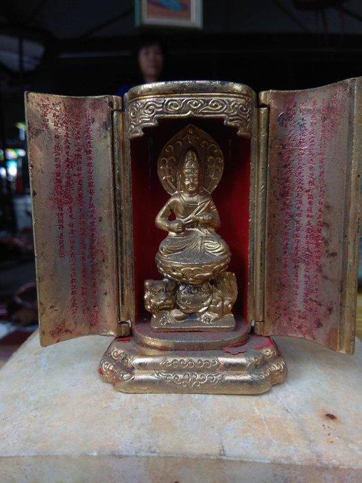 銅製小神龕(高9寬6cm)