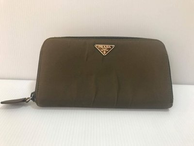 二手正品 Prada 草綠色拉鍊式長夾/信用卡夾/零錢包/手拿包
