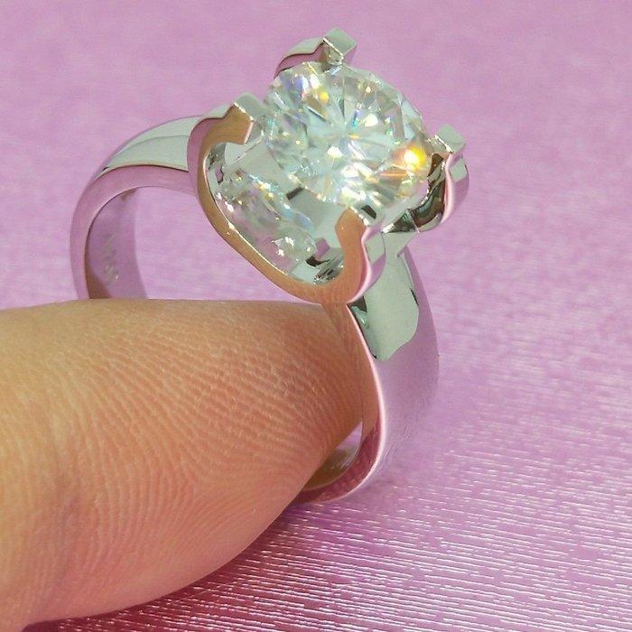 卡迪鑽戒3克拉厚實版特價新款圓夢鑽石百年經典卡家牛頭超美鉑金真鑽質感 肉眼看是真鑽不退色極光火彩仿真鑽石莫桑鑽寶厚重出清