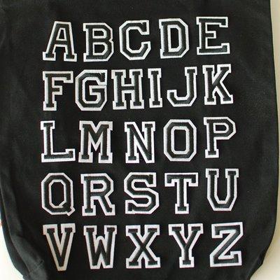 個性化黑白字母布貼(黑色 白色) 熨斗貼 燙布貼 DIY