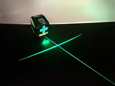 .附發票(東北五金) 正日本伊藤 綠色激光雷射水平儀 二線綠光水平儀 (真綠光)(可打斜線) 可用於室外!