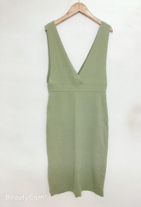 正韓二手全新百元起標~很少見的粉綠色吊帶背心針織後開叉合身窄裙