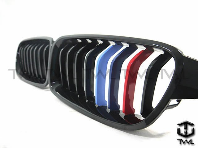 《※台灣之光※》全新BMW F30 F31專用sport樣式8線八線3色版三色版亮光黑鋼琴烤漆黑大鼻頭組 台灣製
