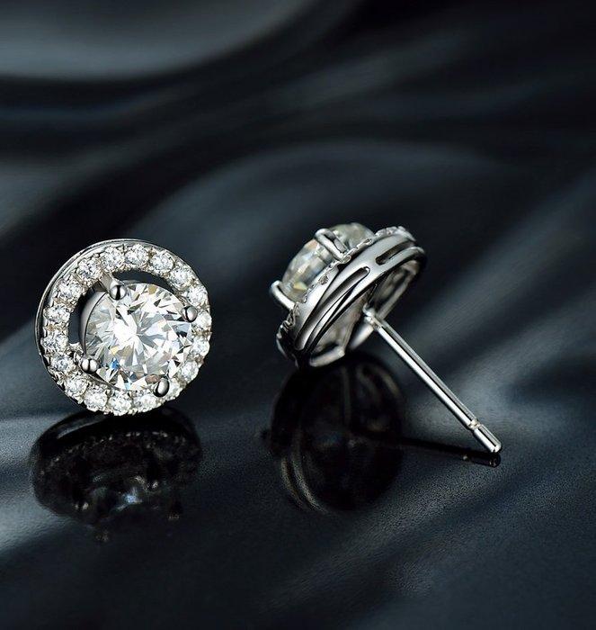 各種耳針式耳環鑽石耳環1克拉鑲邊型舒適 不過敏 結婚 情人節禮物截圖訂做款式鑽石高仿真鑽石925純銀包白金首飾 莫桑鑽寶 超取付款 免運費 購物愉快 有保障