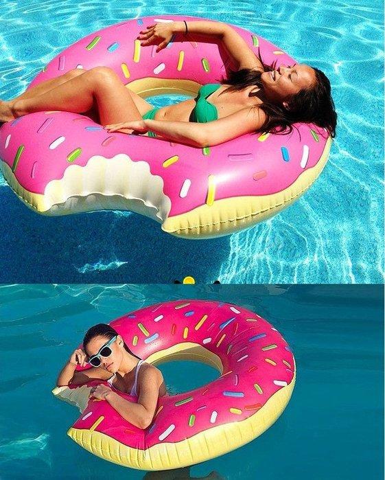 【送打氣筒】盧媽媽小舖 120CM 甜甜圈草莓巧克力 成人超大游泳圈 甜甜圈造型游泳圈 充氣浮床 浮板