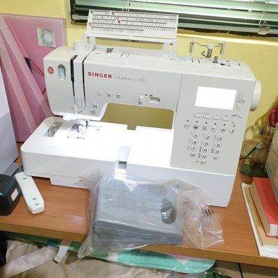 【近全新二手】SINGER勝家L-500 超強功能家用工業高速縫紉機,熱愛手作的最佳幫手,超低價,折價轉售