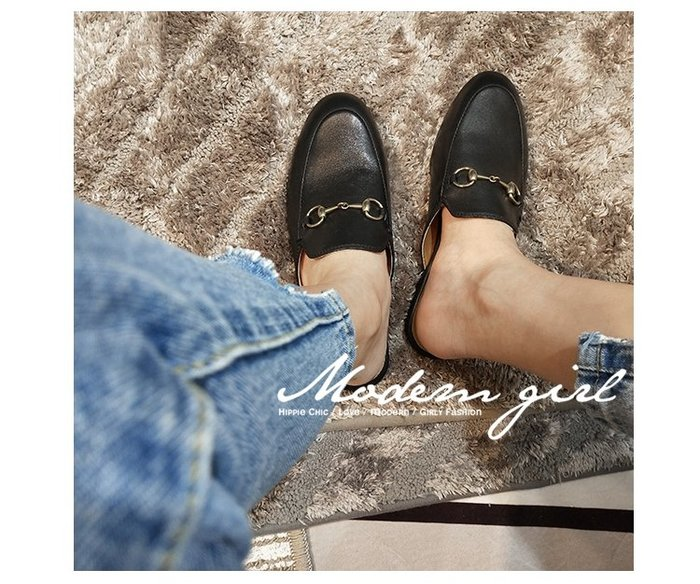 Modem Girl♥100%實拍 高質感 好穿的馬蹄扣穆勒涼鞋 (兩色) 34-41號 懶人涼鞋