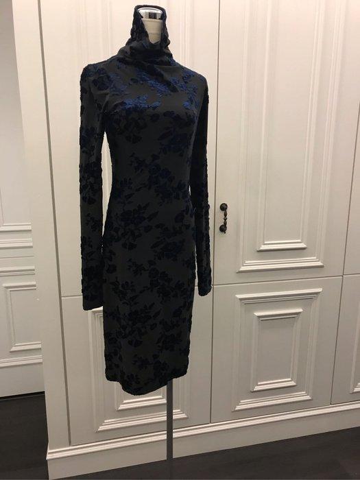 深藍玫瑰緊身洋裝