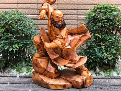 達摩  (一刀雕 樟木)