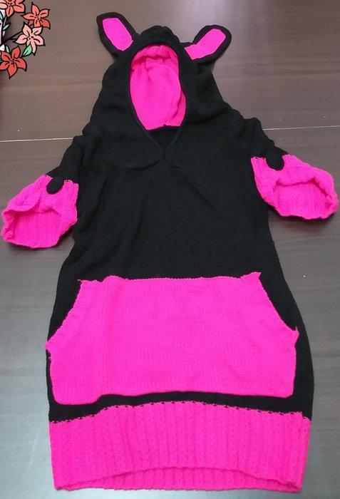 超可愛到愛不釋手,黑粉桃色系長版兔子帽帽連身毛衣