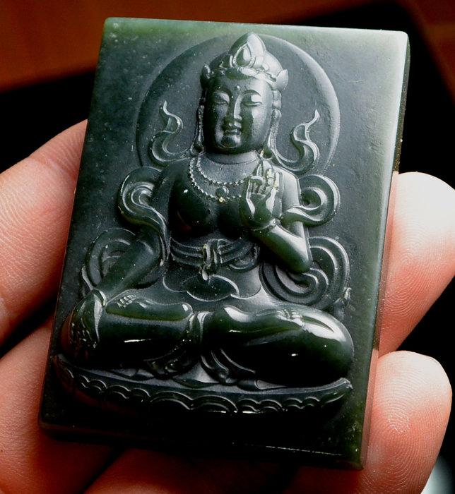 [天地居] 和闐浮雕玉佛牌
