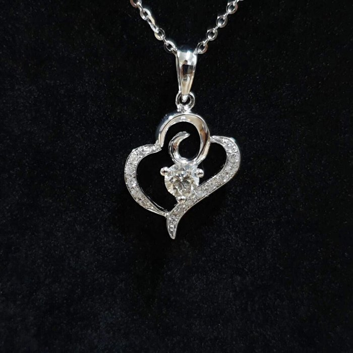 送禮禮物禮品 全新品 天然鑽石項鍊 主石30分8心8箭 18K金鑽石墜台 墜2.3x1.5cm 大眾當舖 編號5961