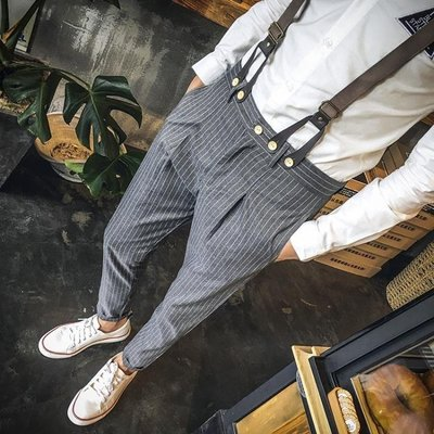 YEAHSHOP 英倫型男修身條紋休閒褲男士顯瘦背帶褲小腳褲發型師秋季吊帶褲潮142786Y185