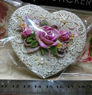 龍廬-自藏二手出清~波麗彩繪製品-仿蕾絲玫瑰花愛心造型置物盒B款/飾品盒/珠寶盒/起標為單個價/只有1個