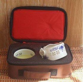 【快客杯-手抓壺-玲瓏杯青花瓷-一壺一杯旅行包/套-1套/組】旅行辦公功夫茶具套裝-7501017 一壺三杯(2大1小)