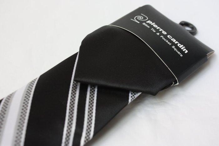 【Pierre Cardin】全新正品 斜紋領帶-黑色系【窄版7cm】*領帶兩條95折三條9折*領帶+口袋手帕*P41