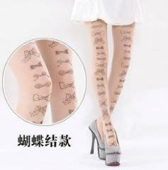 蝴蝶結刺青絲襪 今夏最流行的個性穿搭-艾發現