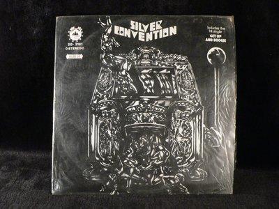 乖乖@賣場(LP黑膠唱片)12吋西洋黑膠 SILVER CONVENTION~GET UP&BOOGIE