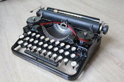 Underwood 三行可攜式打字機 百年古董 老件