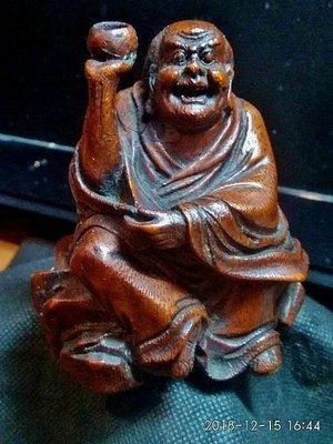 【竹雕館】~清晚期 托缽羅漢 請把握機會直接下標 先下標者得  有點想念那件海黃羅漢